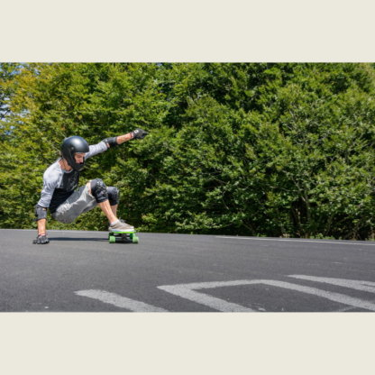 SKA920096 ENNUI Shock Sleeve Pro Knee Gasket Inline Skating Inliner Skateschule und Skateshop Weil am Rhein SkaMiDan