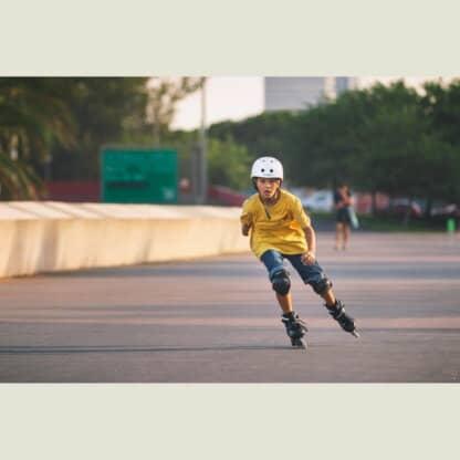 SKA880262 POWERSLIDE One Khaan Junior SQD Black Kinder Inlineskates Kinder Inliner Kids Skates Rollerblades Inlineskates für Kinder Junior Skates Verstellbare Skates Größenverstlelbare Inlineskates für Kinder Kinder Inliner Kids Inliner Kids Rollerblades Urban Inline Skating Urban Inline Skating Freeskates City Skates Fitness Inliner Sport Skates Sport Inliner Rollerblades Rollerblading Lörrach Freiburg Basel Inliner Skateschule und Skateshop Weil am Rhein SkaMiDan Deutschland Germany